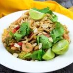 Лапша с соусом и креветками — рецепт Пад Тай (Pad Thai)