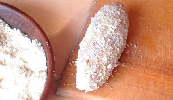 Рецепт котлеты по-киевски в сухарях