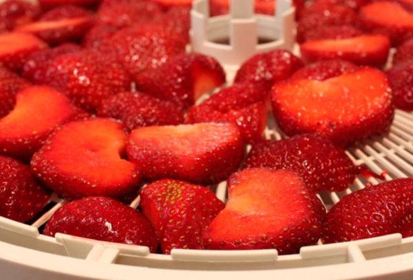 Клубничное варенье из нарезанных ягод