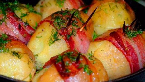 Картофель запеченный с беконом