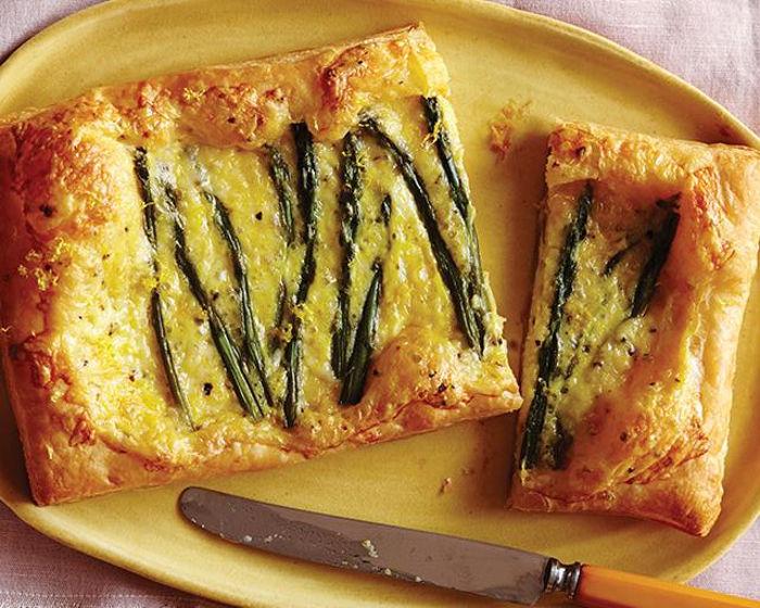 Пирог со спаржей и сыром