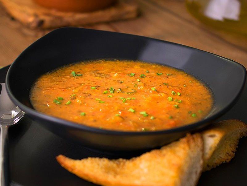 Томатный суп с красным перцем